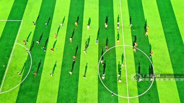 广西三江:乐学足球度暑假