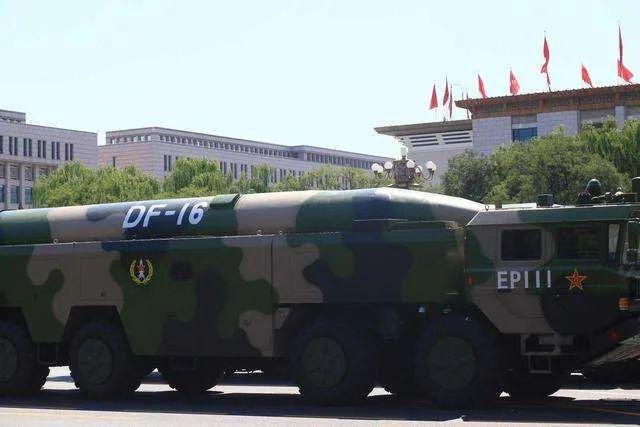 """头一次!解放军在台湾海峡演练""""瓮中捉鳖"""""""