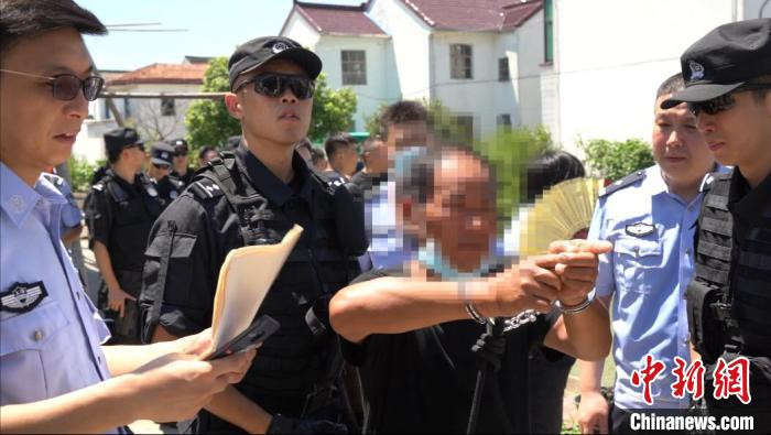 上海警方锲而不舍 成功抓获潜逃