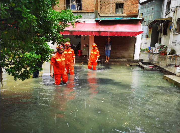 【关注】因持续降雨,云南红河、昭通出现滑坡、内涝!
