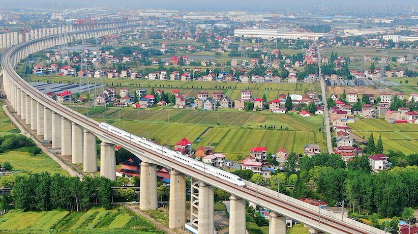 15年后高铁里程翻番 连接50万人