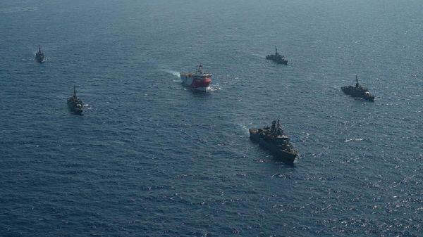 马克龙宣布向东地中海增兵 敦促