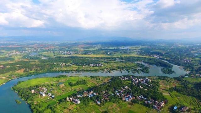 道县:生态优先绿色发展 青山如黛碧水绕城 天然氧吧避暑胜地