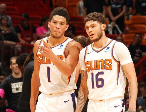 布克:我是篮网球迷,会让好兄弟全力阻击开拓者