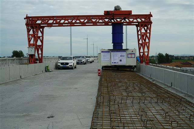 安九高铁湖北段进入无砟轨道施工阶段 预计明年全线通车