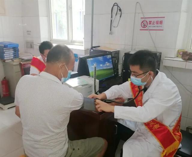 沧州市传染病医院党员志愿健教义诊服务队走进黄骅市南排河镇卫生院