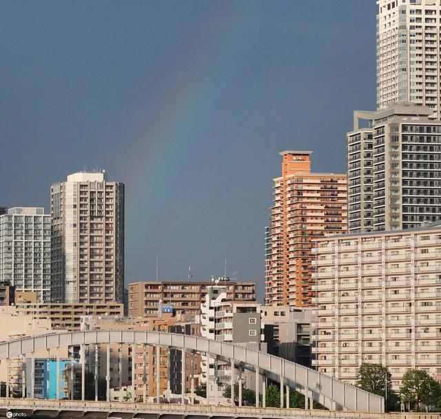 日本雨后现双彩虹 与东京晴空塔交相辉映太美了!