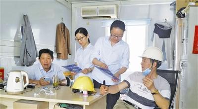 靖江建行中洲路支行:为建设者送去金融服务