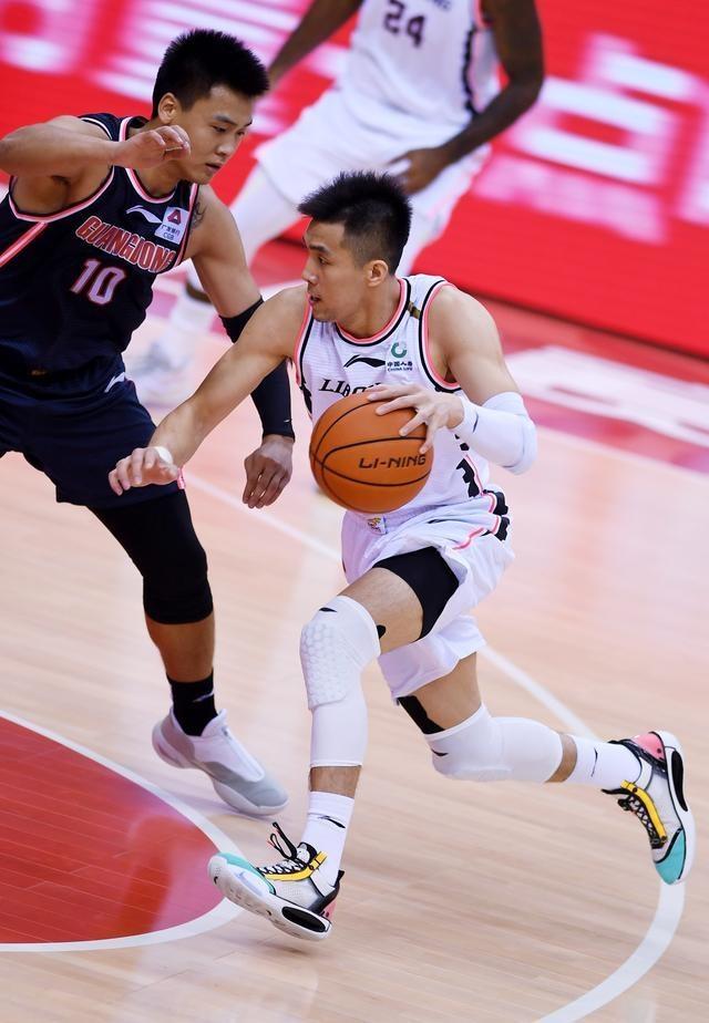 篮球——CBA总决赛第二场:辽宁本钢迎战广东东莞银行