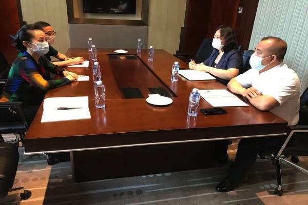 黑龙江佳木斯市人民检察院党组成员、 副检察长胡淑梅走访民营企业