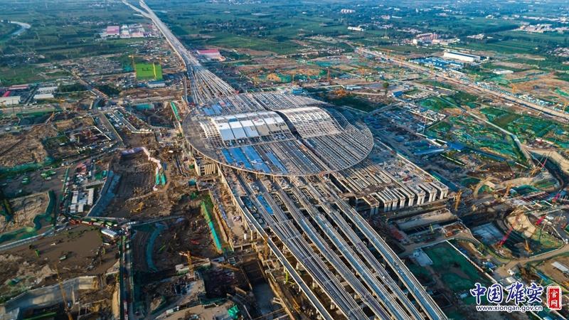 看建雄安丨灯光绚丽多彩 仿佛置身于森林中 京雄城际铁路雄安站未来可期