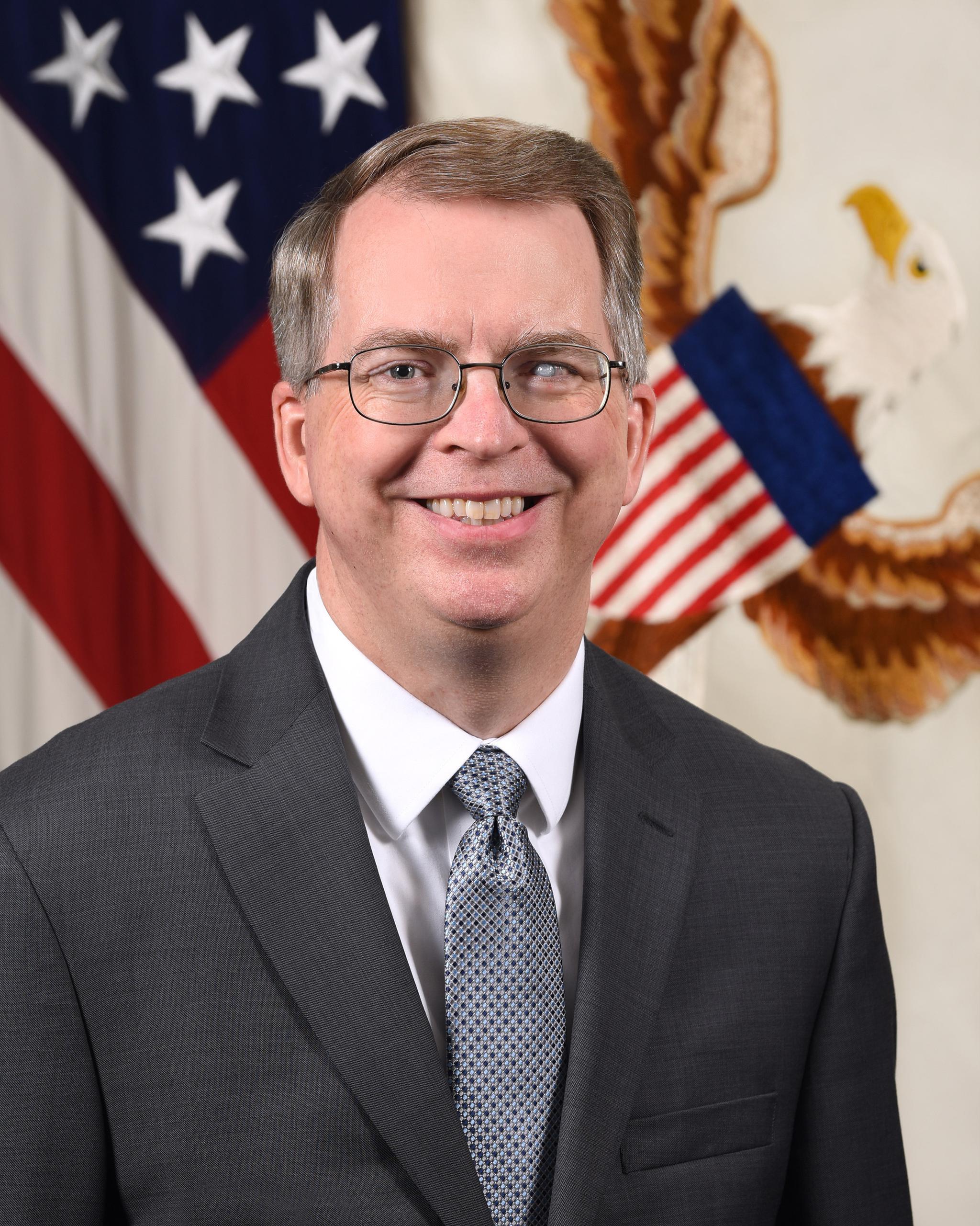 美国国防部副部长诺奎斯特将主持调查组工作
