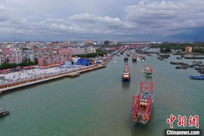 图为广西防城港市企沙渔港。 刘华 摄