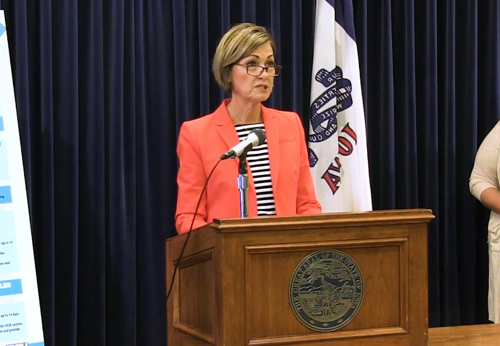 艾奥瓦州州长金·雷诺兹 视频截图