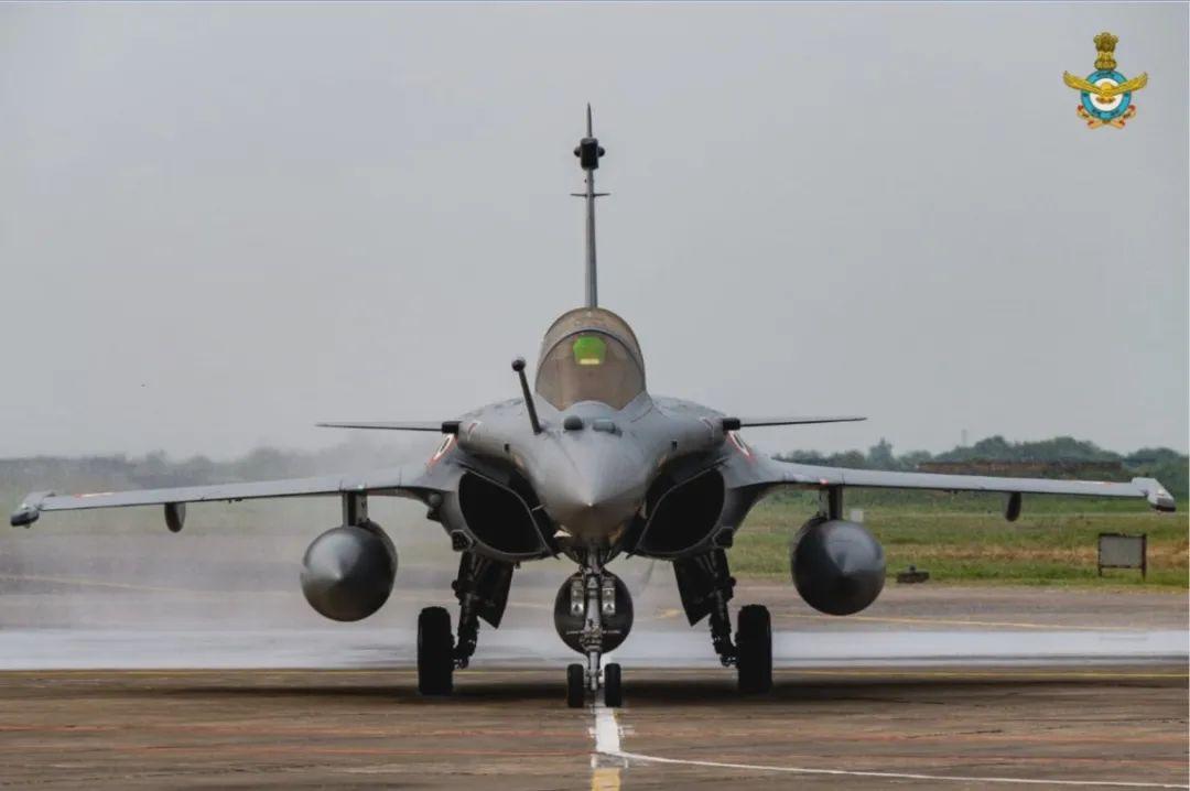 """▲抵达安巴拉空军基地的印军""""阵风""""战斗机(印度空军网站)"""