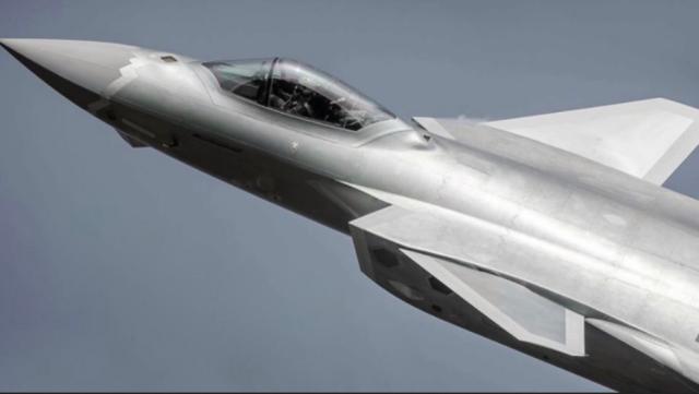 中国J-20战斗机拥有隐身设计