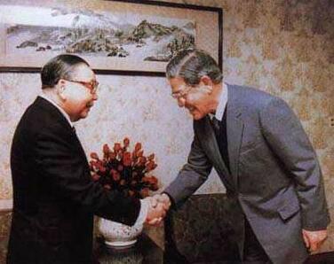 蒋经国和李登辉 图自中华网
