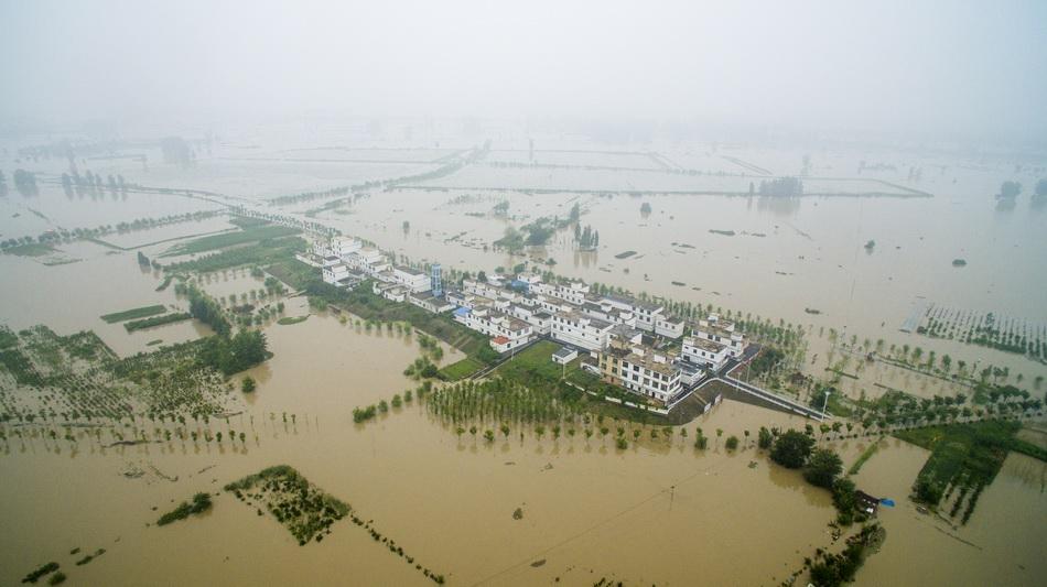 蓄洪后的濛洼蓄洪区形成77个湖心庄台。 本文图片澎湃新闻记者 赵思维