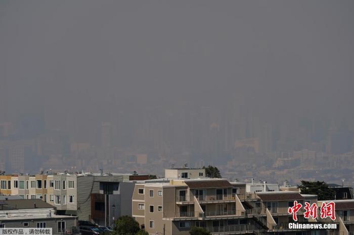 山火席卷旧金山湾区 数万人被疏散