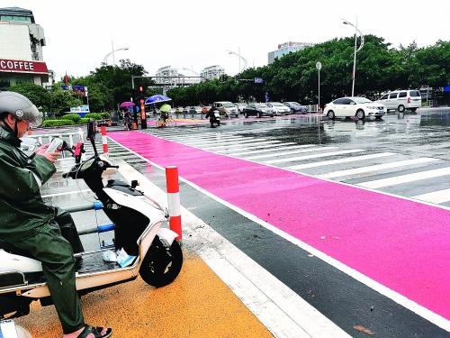 甲天下十字路口交通组织有了新变化