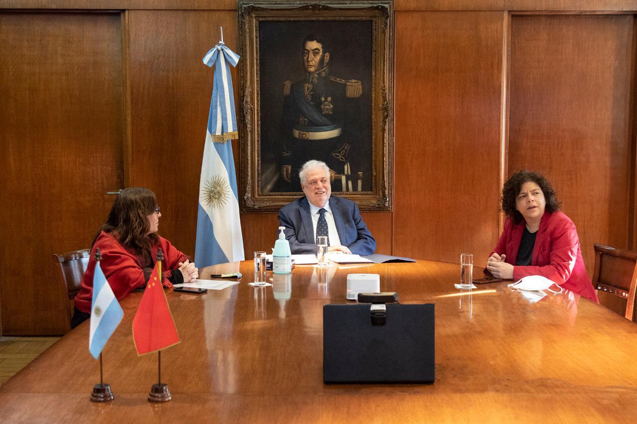 阿根廷加入中国新冠灭活疫苗临床三期试验