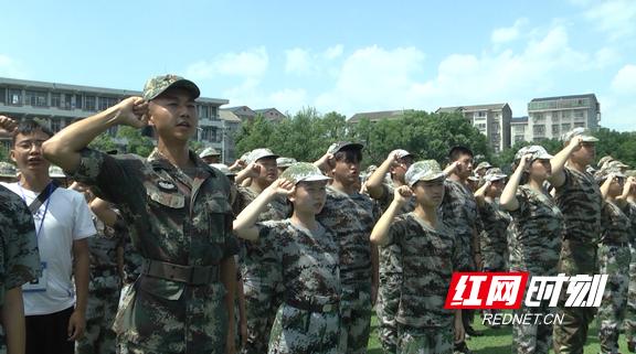 荆州数千名学生发誓拒绝毒品