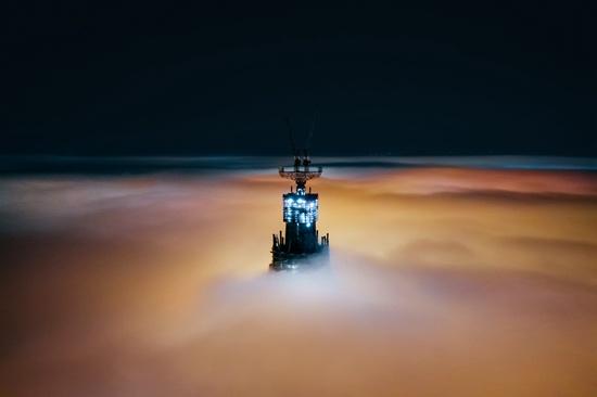 8月14日,暴雨过后云海中的成都。视觉中国供图