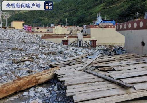 舟曲暴洪泥石流灾害受灾最严重莫诺西周村道路抢通