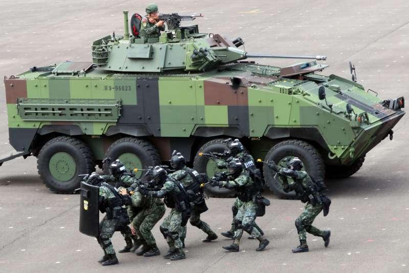 """因""""火力强大"""" 台军决定增产21辆""""云豹""""装甲车"""