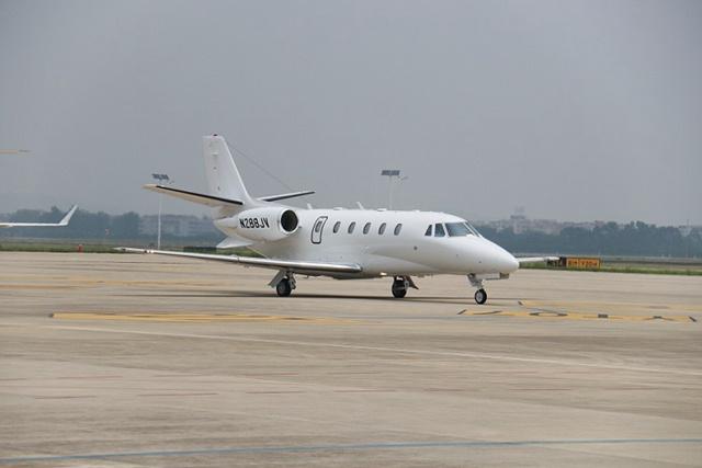 聚力体育官网:白云机场迎来今年第一架入境商务飞机