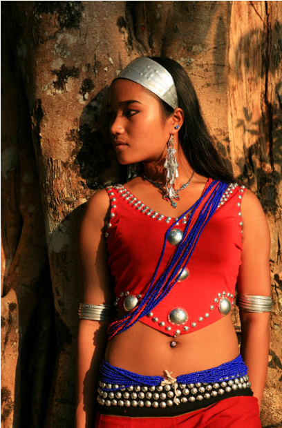 【美哉云南】长发黑珍珠——阿佤姑娘
