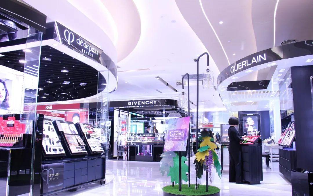 深圳芮欧百货、日本吉野家、优衣库宣布关店;万达等多家商场开业… | 赢商周报