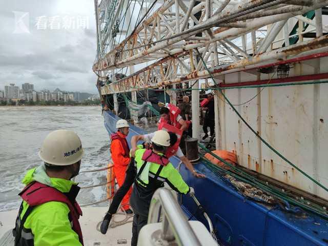 赢咖3:拉克致险情不赢咖3断三亚海上多部门救图片