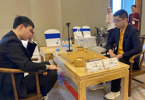 华为手机杯围甲联赛第七轮,上海建桥学院3比1力克天津队