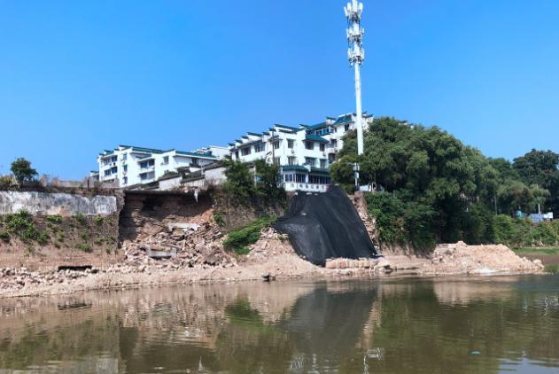 镇海桥(旧桥)构件打捞 9月1日新安江屯溪