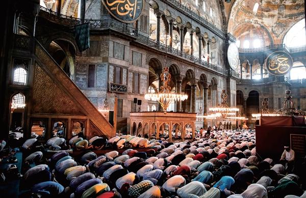 世界遗产陷危机,圣索菲亚大教堂改建之争