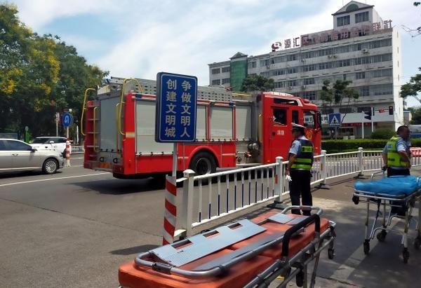 紧急营救!井下作业3名工人缺氧被困,漯河市民合力救出