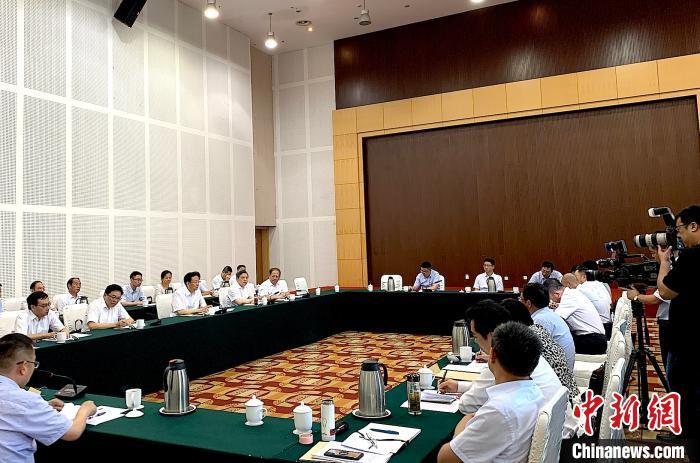 """扬州市委书记夏心旻:企业家是我们的""""衣食父母"""""""