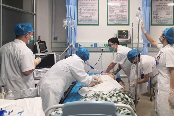凭祥市人民医院与自治区人民医院联手成功救治一名心跳停止的危重病人