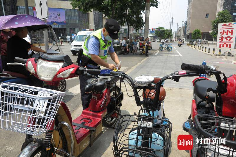 成都公安打击盗窃电动自行车 破获案件640余起