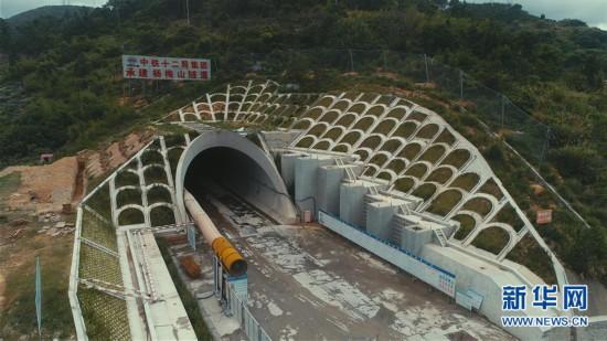 福厦高铁最长隧道安全穿越风险最高区域