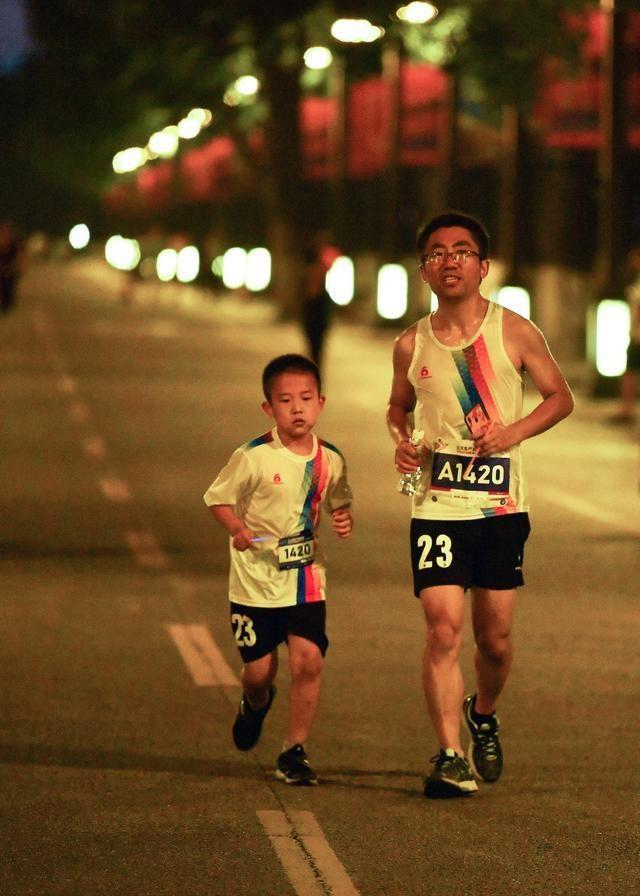 全民健身——周末夜跑