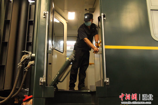 襄阳始发深圳的普速列车恢复运行