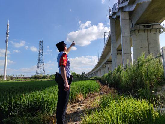 """迎战台风""""黑格比"""" 上海铁路警方进入应急状态"""