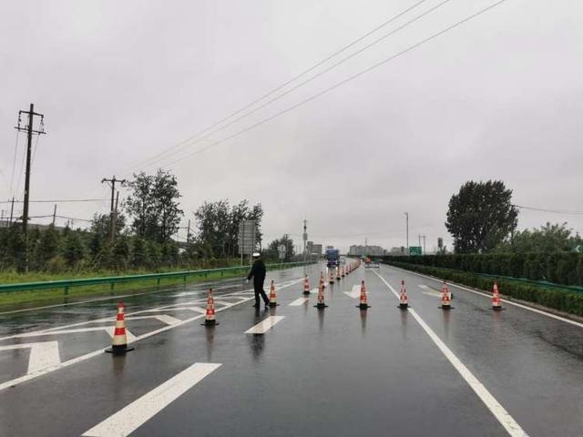 胶州湾高速黄岛东、红石崖、胶州等收费站临时封闭