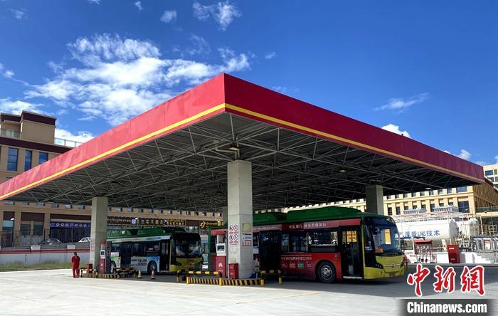 西藏拉萨首座LNG加气站建成投用