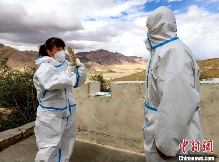 阿里援藏医生边关巡诊:普及防护知识 降低高原病发病率