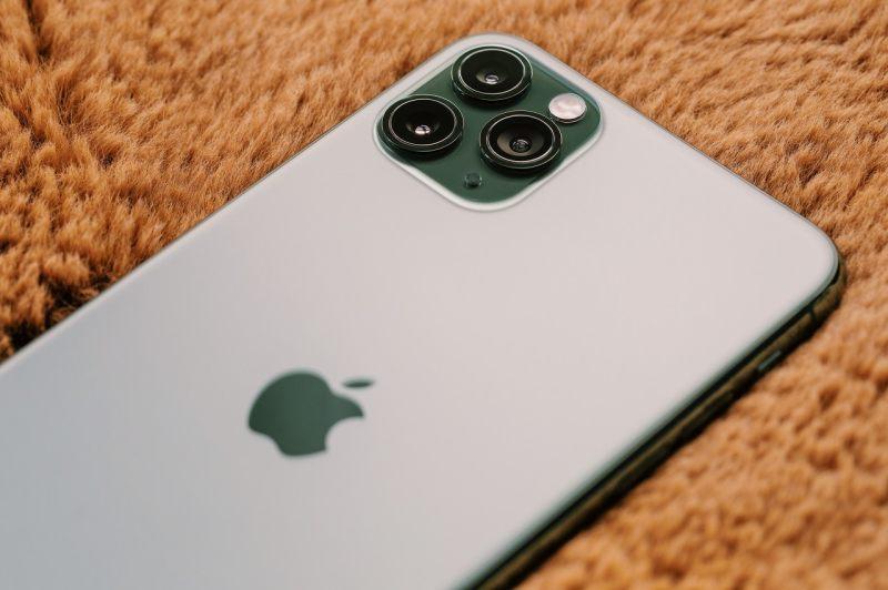 iPhone11水下30分钟被指虚假广告,吹牛翻车导致用户损失惨重
