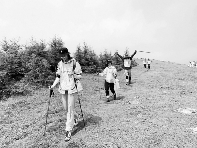 山西女篮五台山举行越野挑战赛