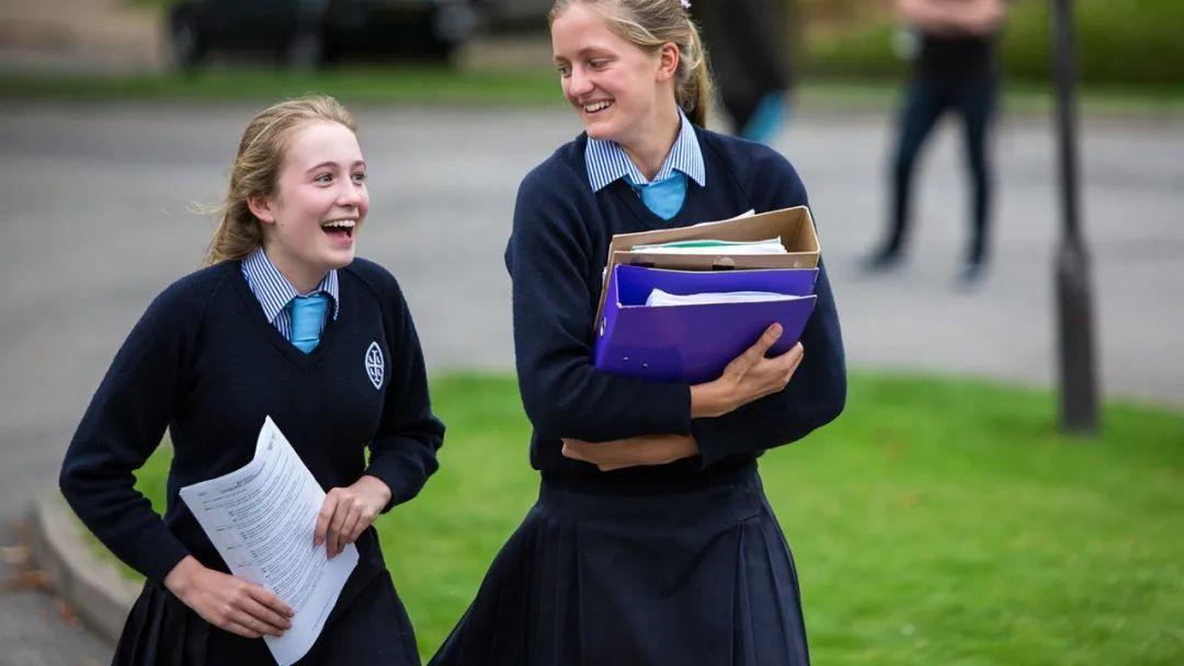 英国首相老师、伊顿公学前招生官亲自教你:顶尖私立寄宿中学怎么申?